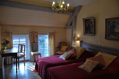 chambres d 39 h tes de charme camon amiens somme chambre d 39 h tes gite grange de la herde. Black Bedroom Furniture Sets. Home Design Ideas